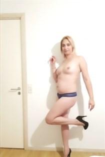 Melanny, escort in France - 9490