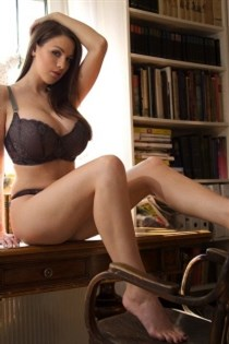 Sinniva, escort in France - 10743